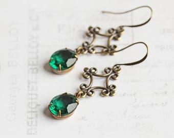 Emerald Green Earrings, Antiqued Brass Dangles, Oval Rhinestone Earrings, Green Bridesmaid Jewelry