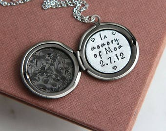 Personalized Locket, Memorial Necklace, Remembrance Locket, Remembrance Necklace, Memorial Locket, In Memory of Mom, Remembrance Jewelry