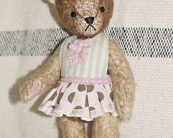 Teddy bear Vivie, OOAK handmade