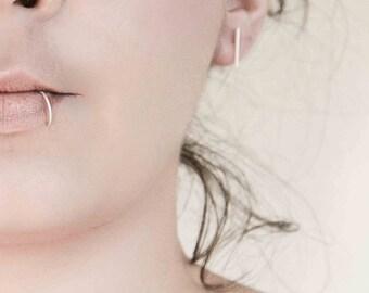 Super Fine Lip Ring, Thin Silver lip Ring, Silver Lip Piercing, Modern Jewelry, Minimalist Jewelry, cartillage Ring, 22 gauge