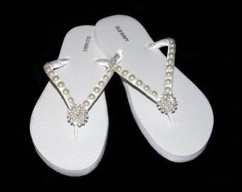 Bridal Flip Flops, Beach Wedding, Bridal Flip Flops, Bridesmaid, Wedding Flip Flops, Custom Color Flip Flops, Bridal Shoes, Bride Gift