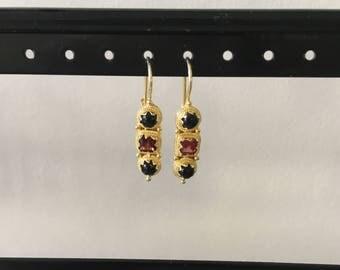 Onyx and garnet earring