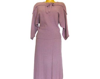 Vintage 1940s Light Nubby Knit Sweater Dress / Curvy Sweater Dress / Two Piece Knit Dress / Knit Top and Skirt / Fall Clothes / Purple Dress