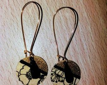Nice pair of black and white earrings