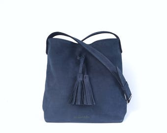 Hobo M - shoulder bag - Navy nubuck leather