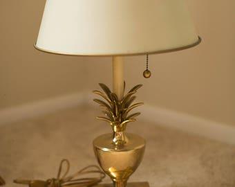 Vintage Hollywood Regency Brass Pineapple Lamp w/ Original Metal Shade