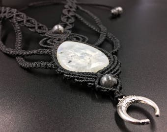 Moonstone necklace macrame