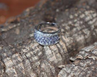 A Stunning White Gold , Diamond And Tanzanite Ring   SKU1417