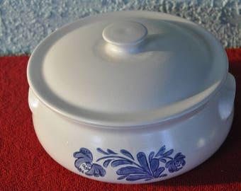 Pfaltzgraff 2Qt. Casserole Bowl