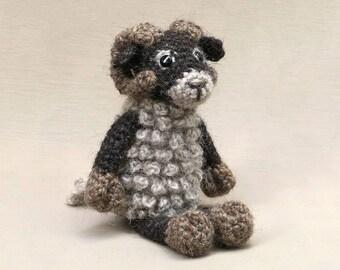 Staruman, amigurumi crochet sheep & ram pattern
