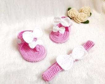 Crochet Baby Pink and White shoes and headband set  - Baby headband - Crochet shoes - Baby Shoes - Baby girl set - Baby girl shoes