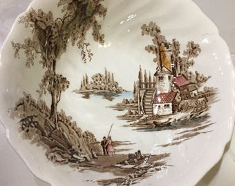 "Set of Two Serving Bowls ""The Old Mill"""