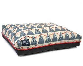 Flight Dog Bed – Limited Edition | Removable Pet Bed Cover with Pillow Insert | Geometric Dog Beds from Lion + Wolf