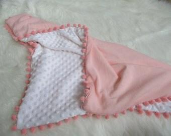Pompom Blanket, Blush Pompom Blanket, ,minky Blanket, baby show gift, Kids Blanket, nursery Blanket, Swaddle, Soft Blush Pom Pom Blanket