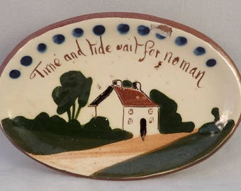 Watcombe Pottery Soap Dish, Torquay Pottery, Motto Ware - *some damage*