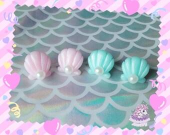 Crystal mermaid clam shell stud earrings