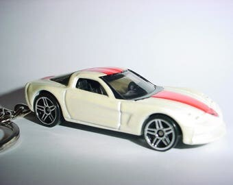 New 3D 2004 Chevrolet Corvette Custom Keychain keyring key chain by Brian Thornton finished in white/red color trim 04 C6