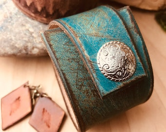 Distressed Leather Cuff Bracelet, Mens or Womens Fashion, Rustic Hand Finished Turquoise Leather Cuff