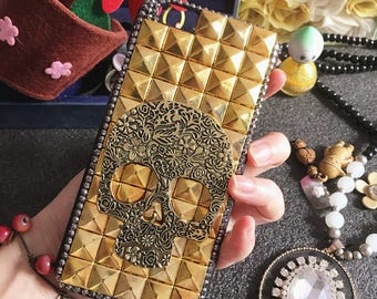 Bling Punk Metal Antique Brass Skull Golden Spikes Studs Sparkly Crystals Rhinestones Diamonds Gem Fashion Hard Cover Case for Mobile Phones