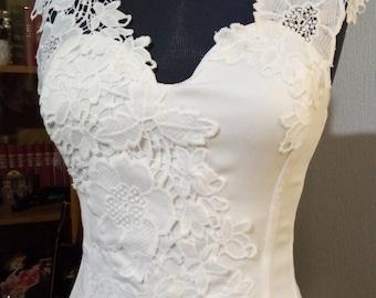 Pretty corset Ecru satin finish polyester crepe