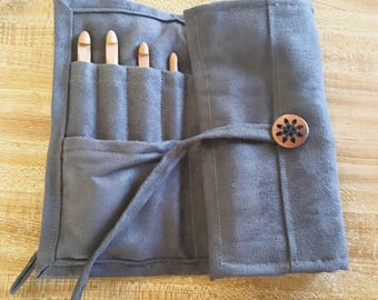 Crochet hook case with Name *charcoal* (includes 12 bamboo hooks)