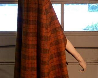 Vintage/ Womens- girls / brown and green tartan plaid /  wool cape.
