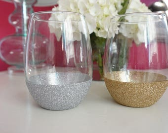 Monogram Glitter Wine Glass 21oz Bridal Party Maid of Honor Bride Personalized