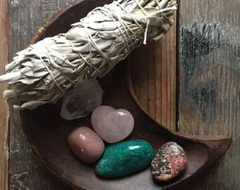 Manifesting Love Crystals | Spiritual Junkies | Reiki Love Infused | Chrysocolla, Quartz, Rhodonite, Red Jasper, Rose Quartz + Sage | Altar
