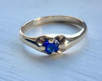 Vintage 10k blue sapphire ring
