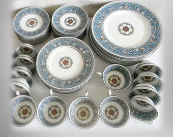 Wedgwood service for twelve - 61 pieces - Turquoise Florentine