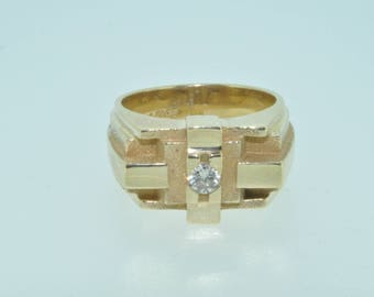 14ct yellow gold gents heavy diamond 0.16ct  signet ring size N