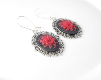 Gothic rose earrings Black rose cameo Red rose cameo earrings Victorian gothic jewelry Gothic gift Alternative earrings Gift for her