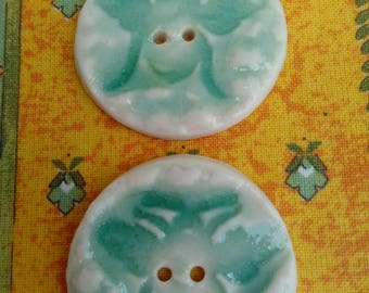 Porcelain Bee buttons x 2