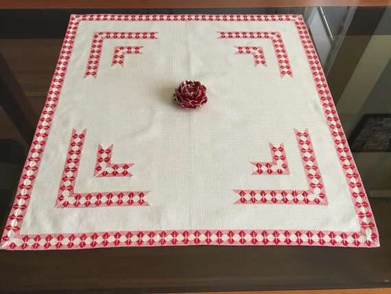 Vintage Handmade Red Embroidered Tablecloth Traditional Bulgarian Folk Square Table Topper Table Ethnic Flax Linens Ethnic Style Embroidery
