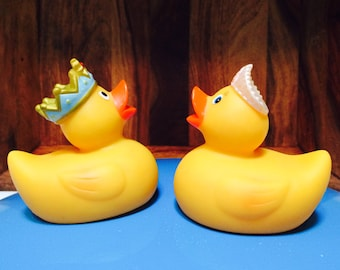A Pair Rubber Ducks, Yellow Duck with Crown, Bath Toys, Adult Toys