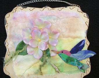 Hummingbird  Art Quilt, Miniature Quilt, Quilted Wall Art, Unique Quilt Gift, Home Decor, Gift for Her, 8 inch by 7 inch