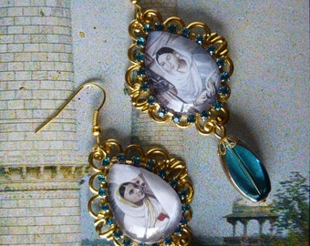 """Pierced ear ethnic """"AGRA"""", goldtone, India, turquoise glass beads featuring glass cabochon"""