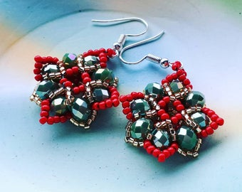 Special Baroque earrings moss green coral red and silverlined Topaz