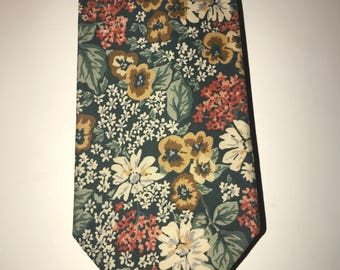 Vintage 90's Floral Necktie / by Britches Great Outdoors