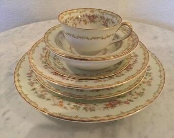 """Vintage, Noritake Morujama Fine Porcelain """"Columbine"""" Pat 3803, 56 Pcs Dinnerware Set, Red, Green, Tan Edge, Floral Ring. Disc Circa 1933."""