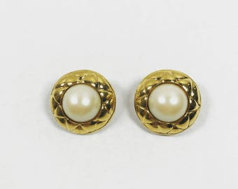 Authentic Chanel earrings. Vintage Chanel earrings. Chanel pearl earrings. Chanel clip on earrings. Gold Chanel earrings. Chanel accessories