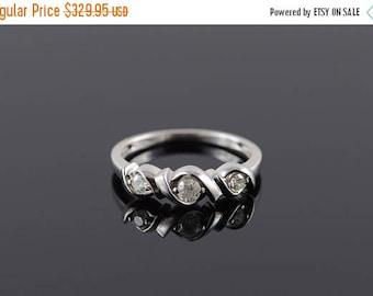 Big SALE 10k 0.25 CTW Diamond 3 Stone Twist Wedding Band Ring Gold