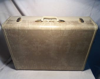 Vintage Marbled White Hard Suitcase.Brand:SAMSONITE - Style 4536