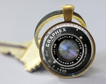 Camera Keychain - Camera Key chain, Camera keyring, Camera Lens Jewelry, gift for wedding photographer bronze or silver