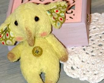 Elephant primitive vintage hand made