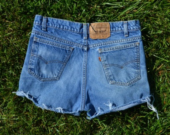 Custom Distressed Vintage Levi's High Waisted Shorts SIZE 6/7