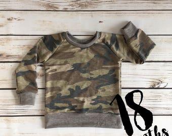 SIZE 18m camo sweatshirt // toodler camo sweatshirt // boys camo sweatshirt // crew neck sweatshirt