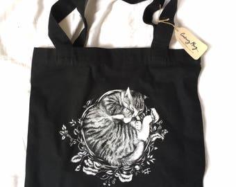 Tabitha tote bag | botanical | print | canvas bag | carry bag | black and white | cat | illustration