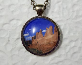 Arches National Park Necklace with 25mm Round Glass Cabochon Photo Jewelry Photo Necklace Nature Jewelry Landscape Photography Glass Jewelry