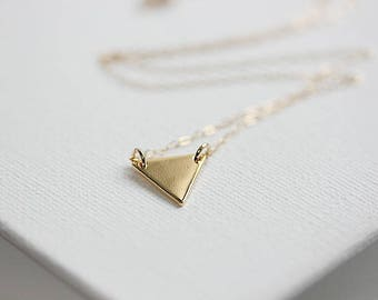 Gold Triangle Disk Necklace, Gold Triangle Necklace, Layering Necklace, Minimalist Necklace, Geometric Jewelry, Dainty Gold Necklace